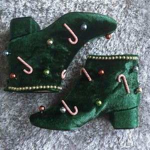 Katy Perry Green Garland Caine booties Size 10M